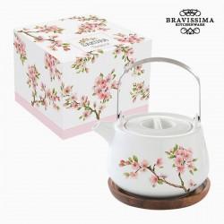 Porzellan Teekanne, Bäume in voller Blüte