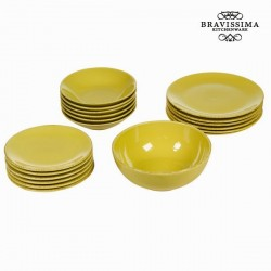 Yellow Dinner Plates (19 pcs)
