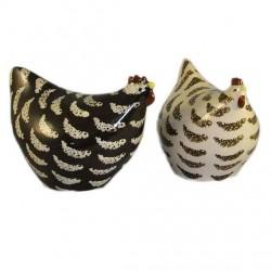 Deux adorables poulettes en céramique de lussan