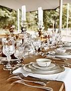 Geschirr, Besteck, Tassen, Tabletts ... Auswahl für den Tisch